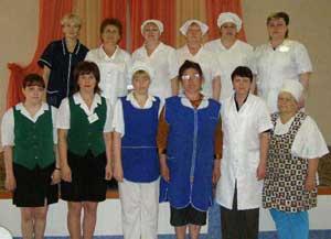 Они удивляют отдыхающих своим поварским искусством, готовят и диетические блюда. Обслуживание пациентов — дело тонкое.